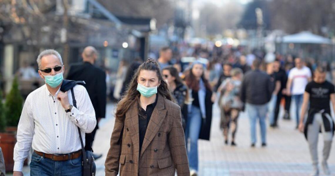 Infecções aumentam em pelo menos 12 capitais que fizeram reabertura. Em Brasília, quantidade de novos infectados quintuplicou
