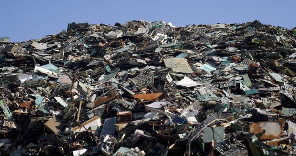 Montanha de lixo eletrônico não para de crescer no mundo