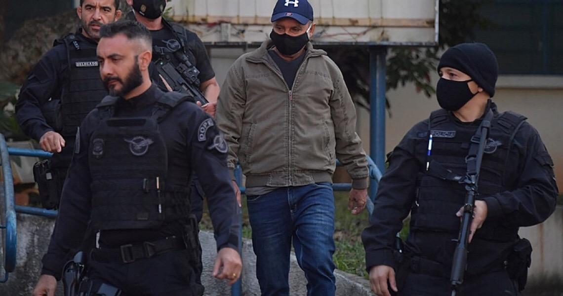 Justiça decide que Fabrício Queiroz pode cumprir prisão domiciliar