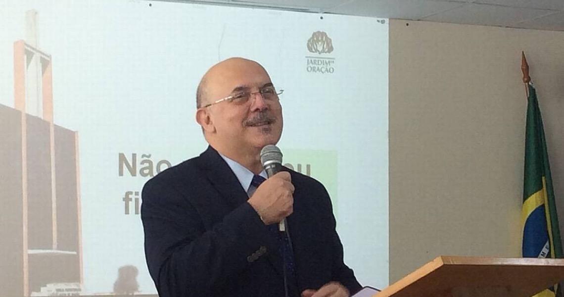 Em aceno aos evangélicos e à ala ideológica, Bolsonaro escolhe pastor Milton Ribeiro para o MEC