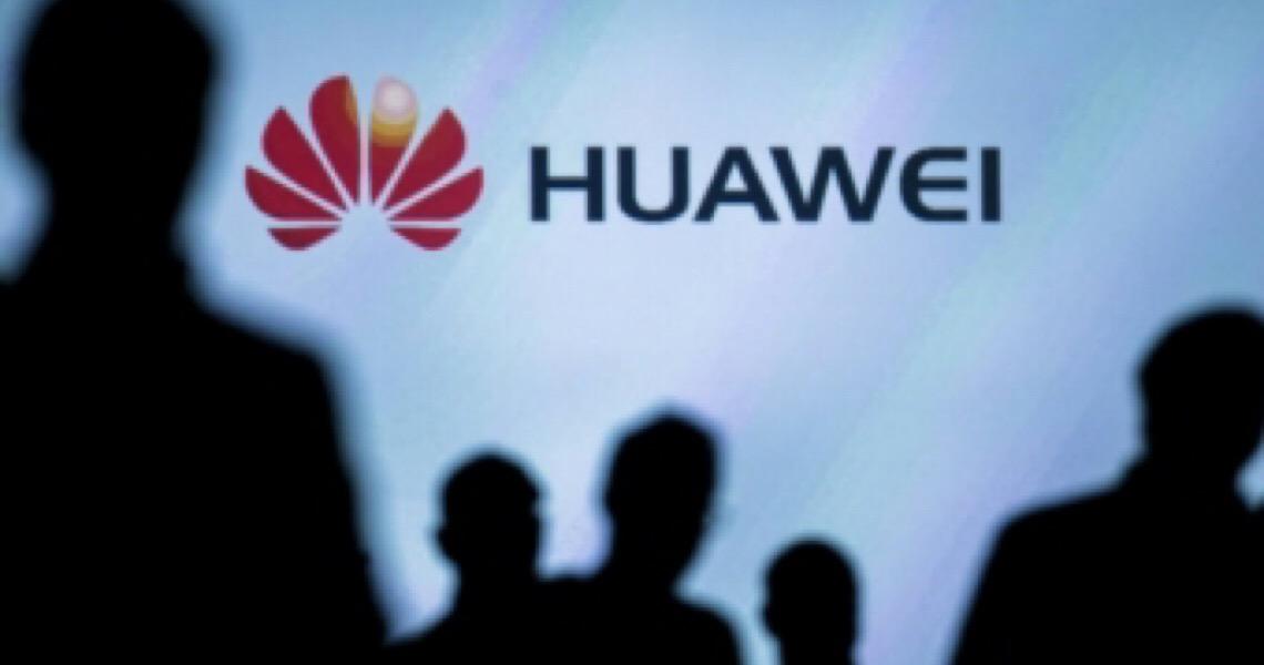 Governo britânico decide proibir Huawei em rede 5G do Reino Unido