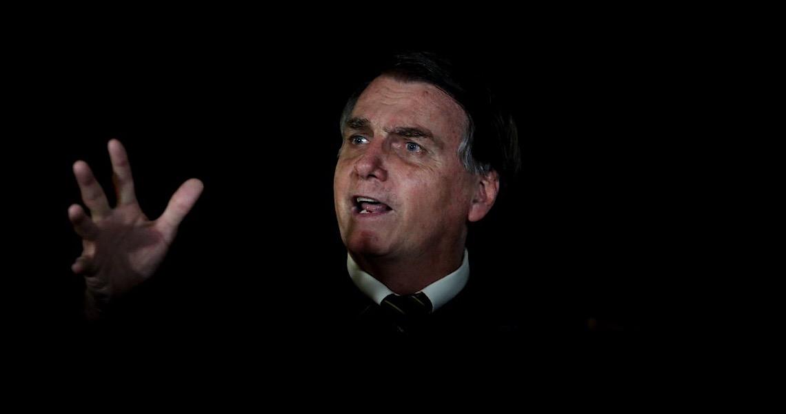 Jair  Bolsonaro mente no Twitter que esquerda quer descriminalizar pedofilia
