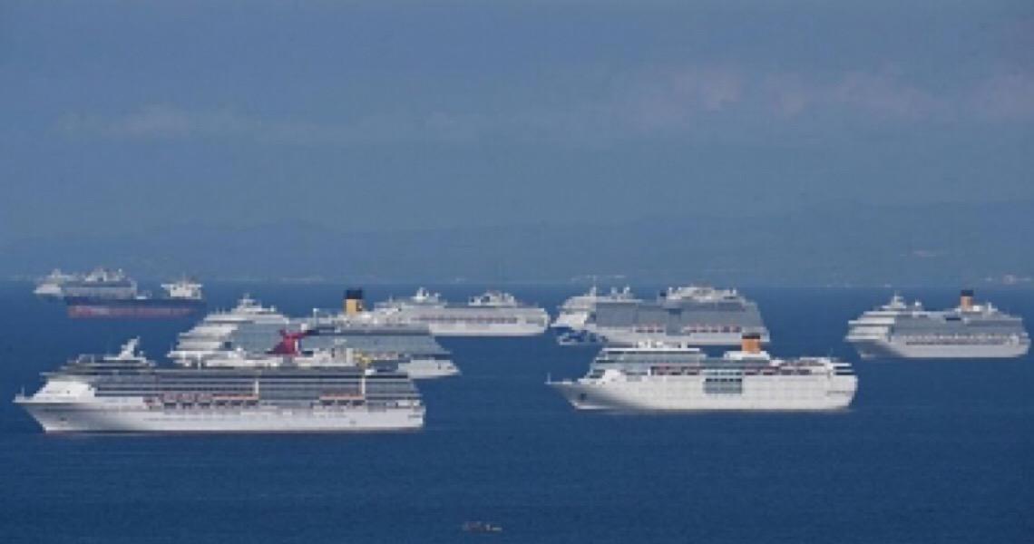 A reclusão de 200 mil em navios sem porto