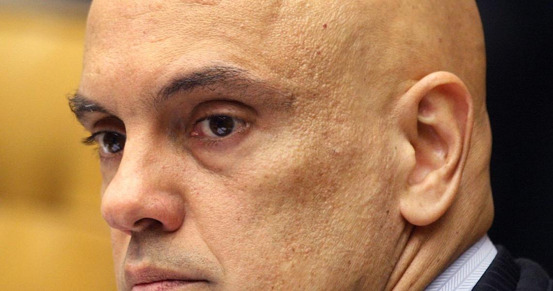 Moraes vai analisar pedido para investigar perfis bolsonaristas banidos do Facebook
