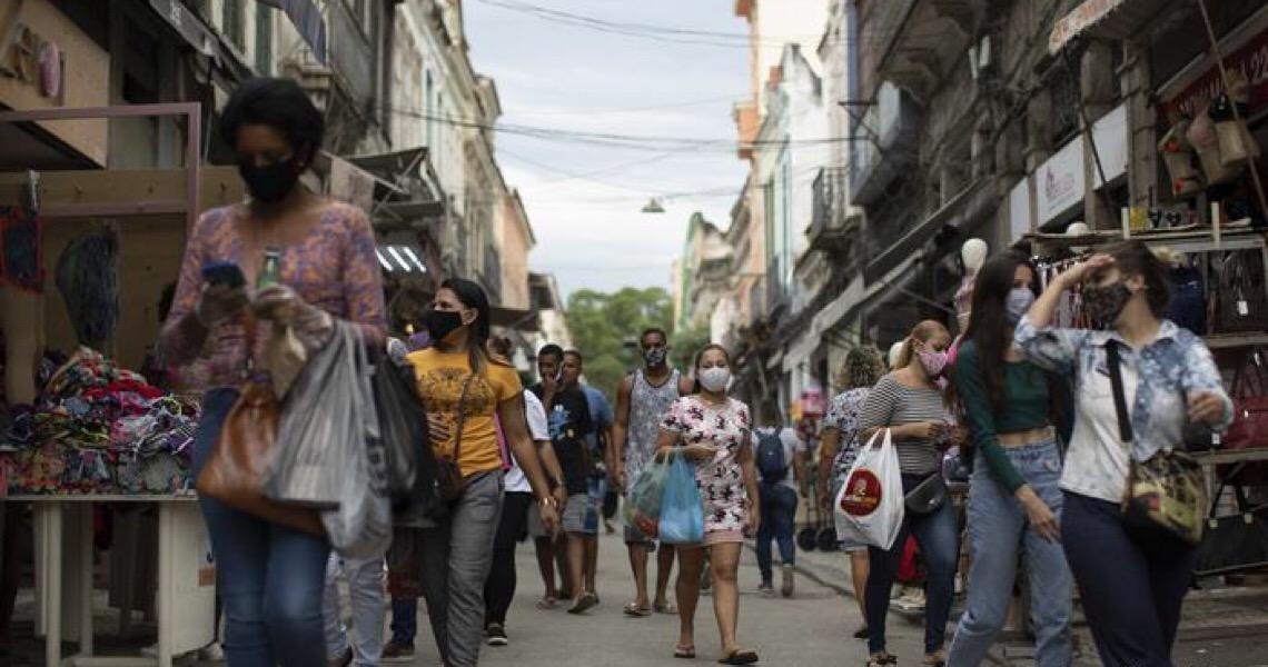 Mulheres e negros são os mais afetados pela covid-19 no Brasil, aponta IBGE