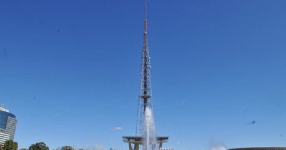 Monumento desenhado por Lúcio Costa:  Torre de TV volta atrair famílias