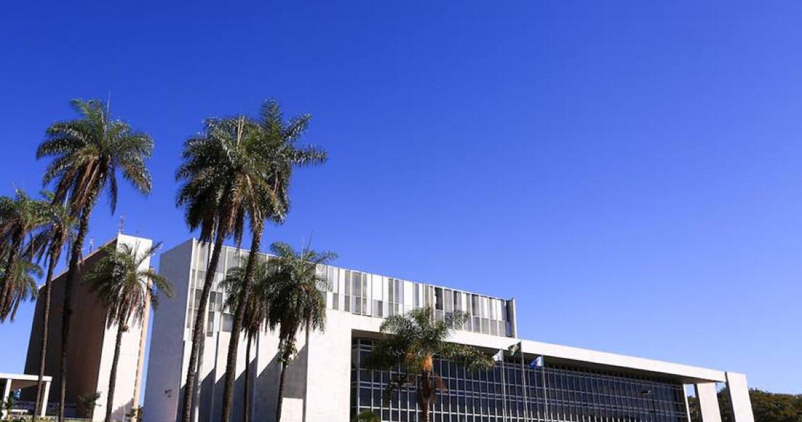 Sucessão em Brasília inclui vaga de conselheiro