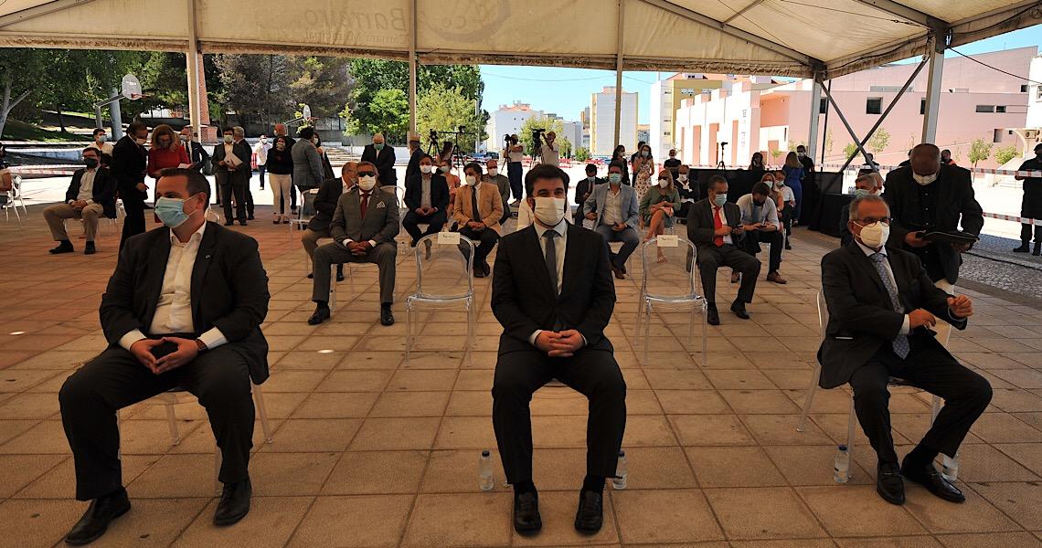 Governo de Portugal finaliza assinatura de acordos para remoção de amianto em escolas