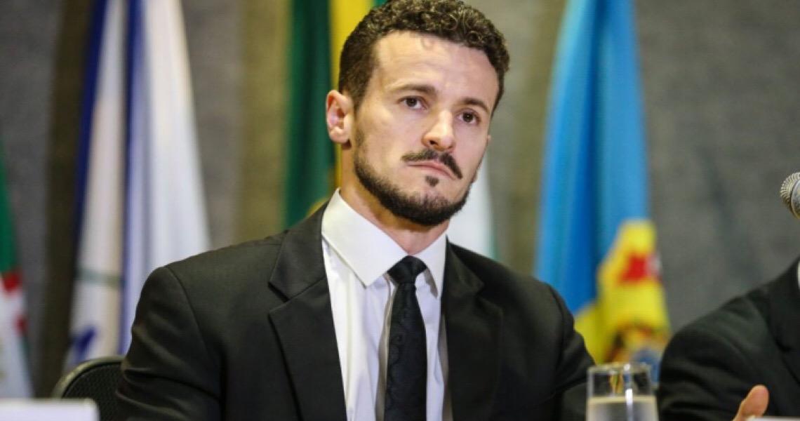 Após Aras denunciar 'caixas de segredos' da Lava Jato, procurador da força-tarefa diz que 'faltou foi transparência de Bolsonaro' na escolha do PGR