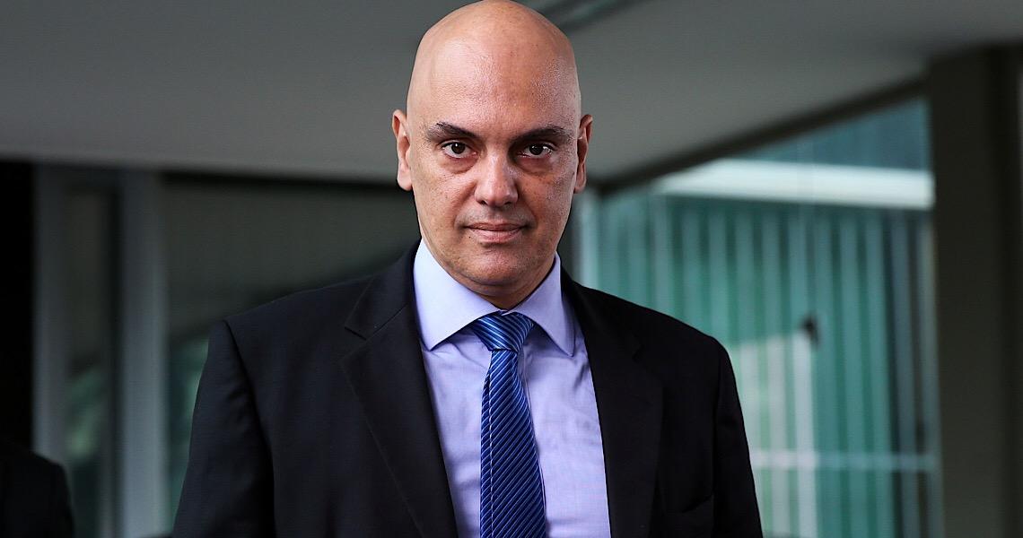 Moraes ordena bloqueio internacional de bolsonaristas no Twitter