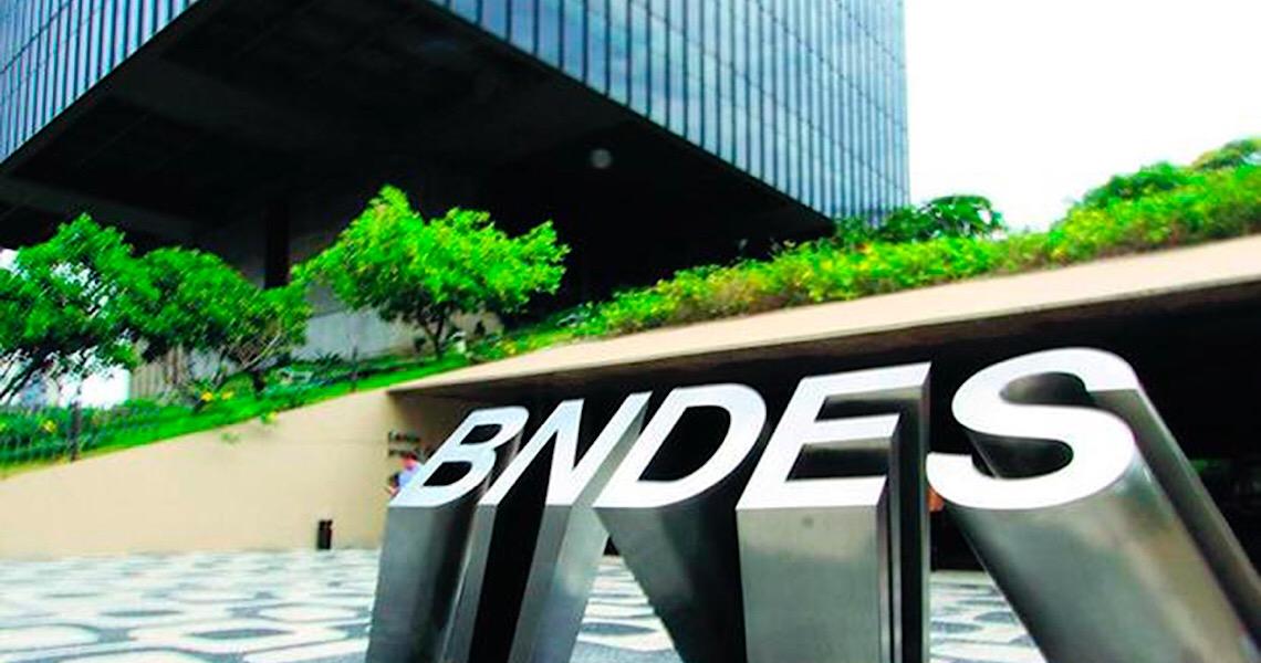 Empresa ligada a conselheiro ganha contratos do BNDES