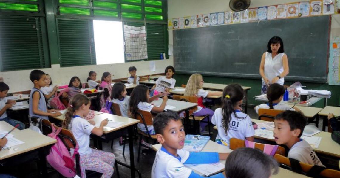 """""""O ano letivo não está perdido"""", diz secretário de Educação do Distrito Federal"""