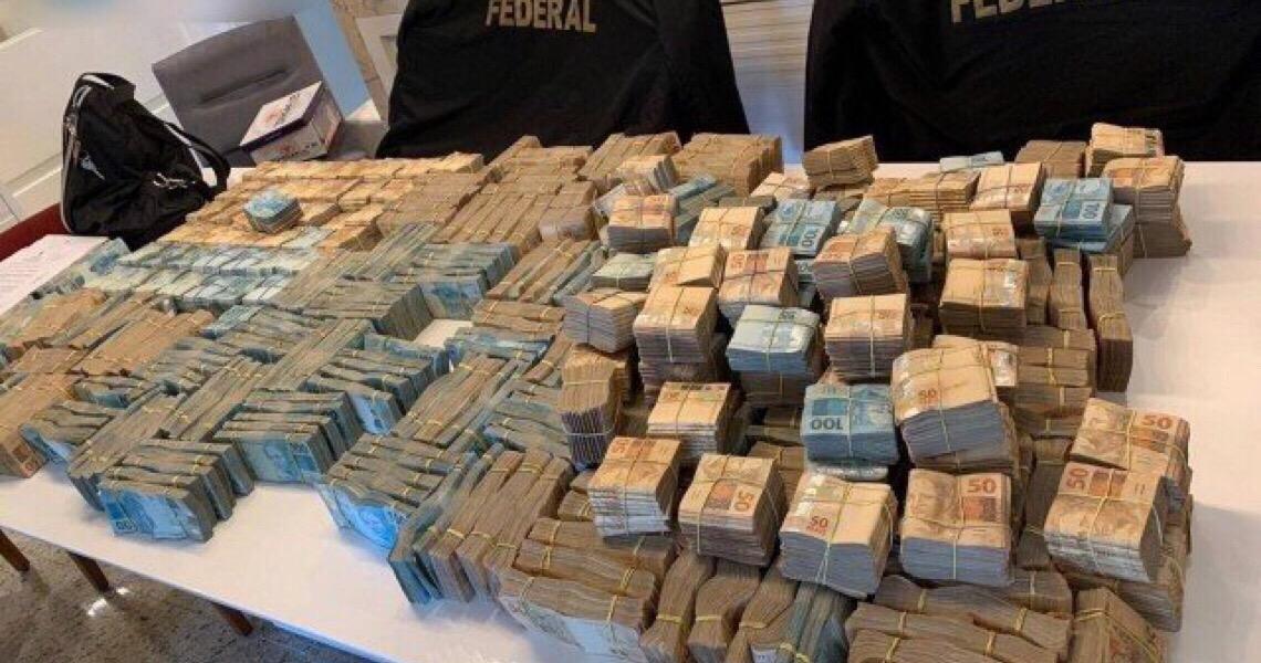 PF encontra R$3,5 milhões na casa de investigado em operação que apura desvios nos Correios