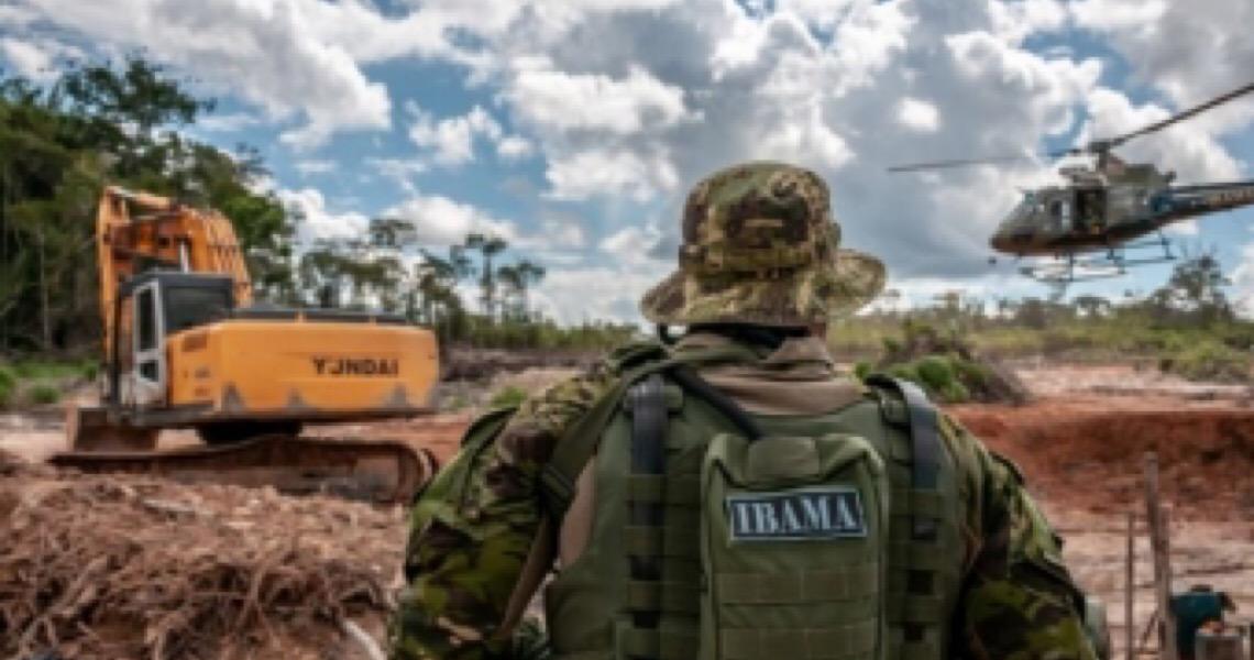 Ibama reduz uso de helicópteros na Amazônia e exonera chefe que criticou medida