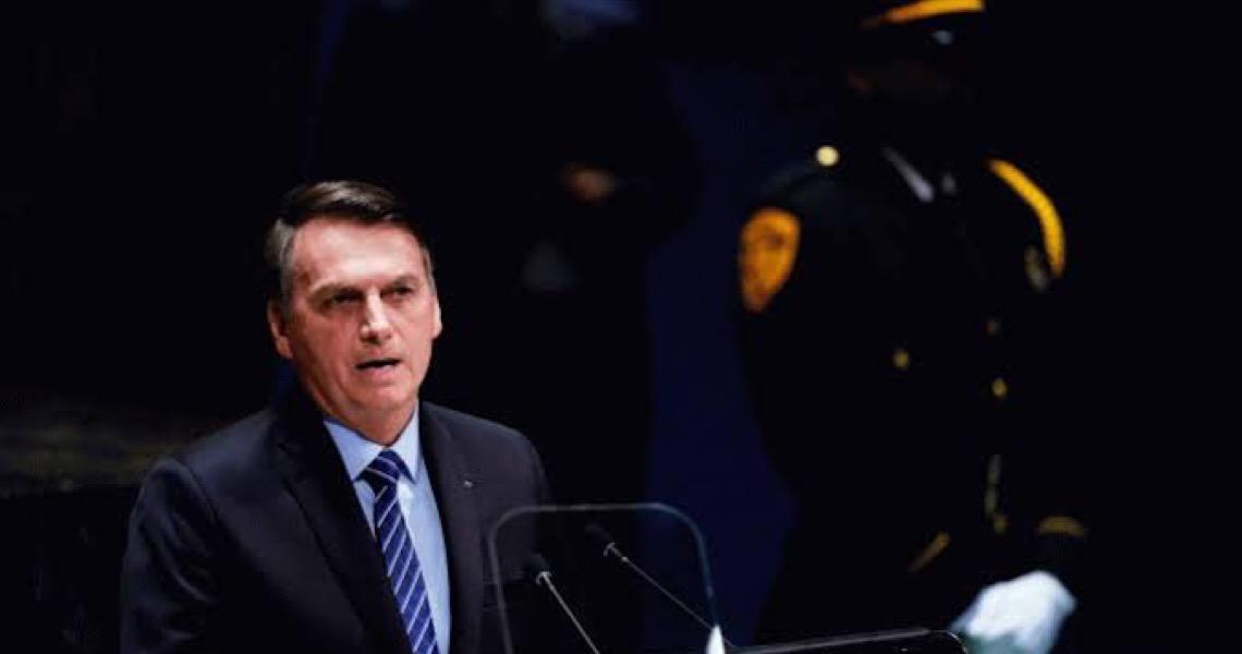 Bolsonaro comunica ajuda ao Líbano e convida Temer para chefiar missão