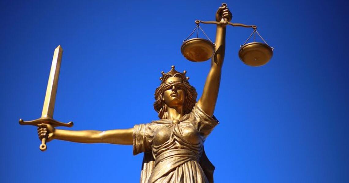Juíza declara em sentença que homem negro é criminoso