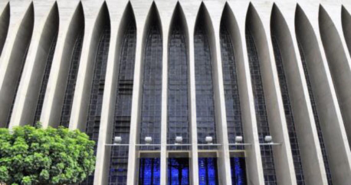 Pessoas acima de 60 podem participar de missas e cultos