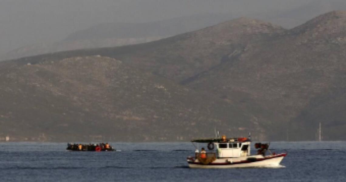 Grécia expulsa refugiados e os deixa no mar, afirma 'The New York Times'