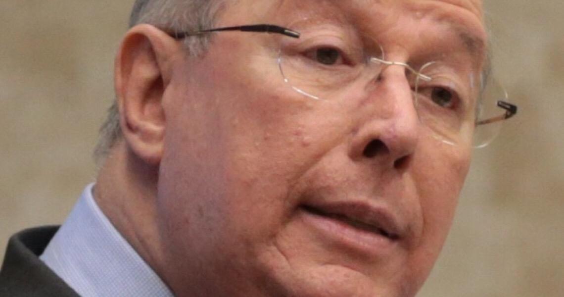 Celso de Mello decide suspender processos contra Deltan Dallagnol