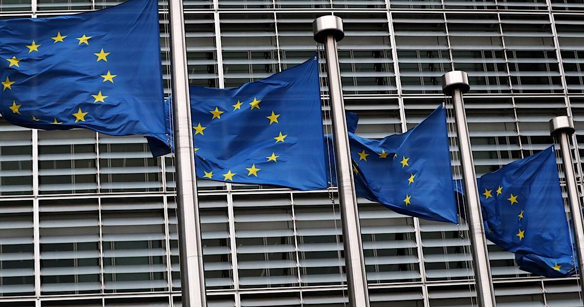 União Europeia prevê vacinação inicial contra covid-19 para 40% da população