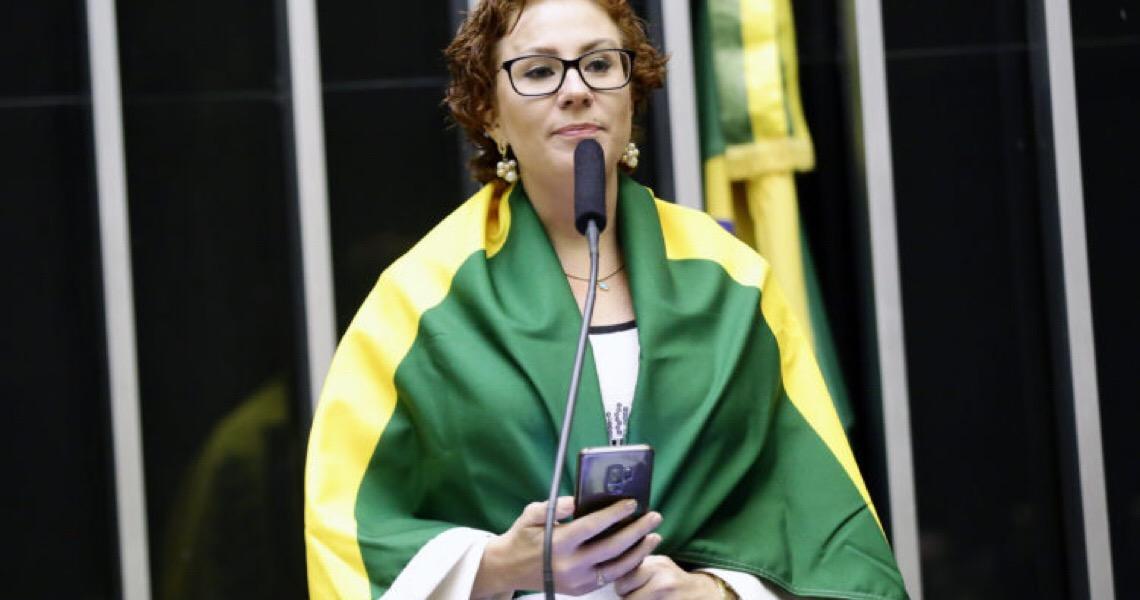Zambelli apaga mensagem em que diz estar curada da covid por uso de cloroquina