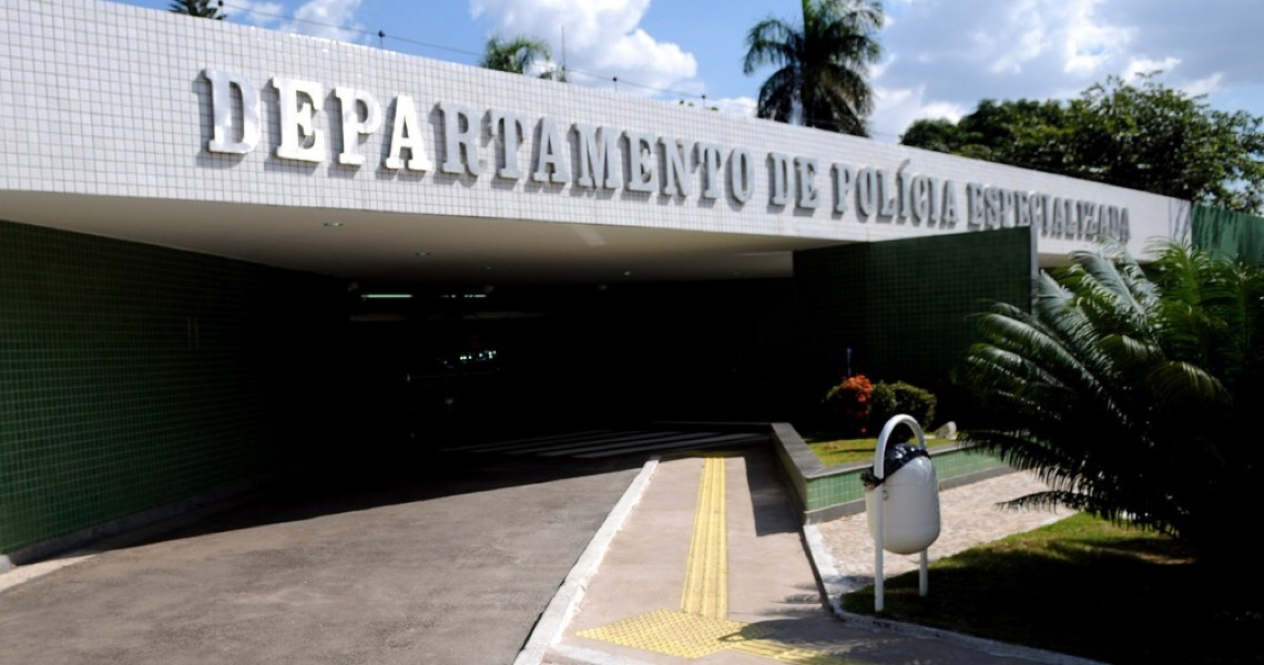 Policiais civis são presos por suposto favorecimento de preso do alto escalão da Saúde do DF