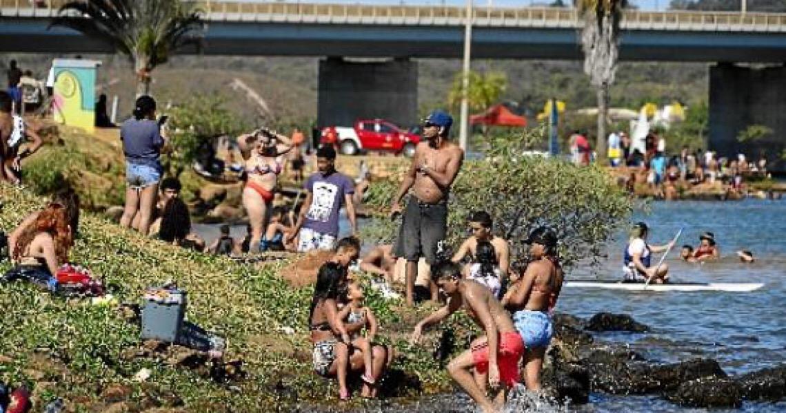 Brasil volta a superar mil mortes diárias por covid-19
