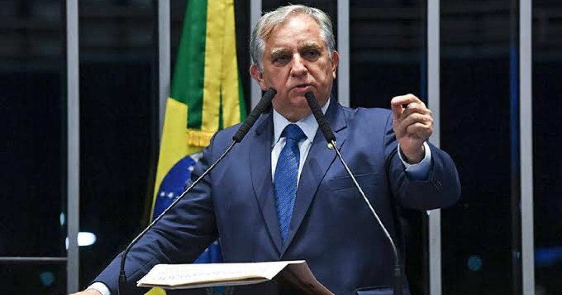 Senador Izalci Lucas critica gestão Ibaneis: Brasília é uma capital à deriva, escreve