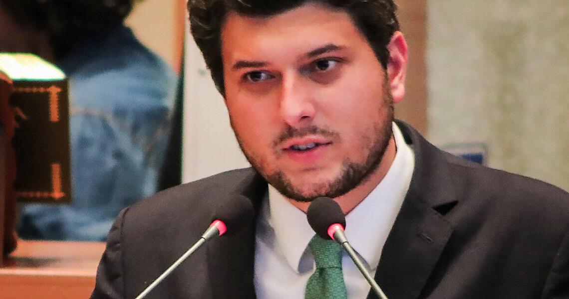 """Deputado Eduardo Pedrosa: """"Sair do discurso para resgatar a imagem do legislativo perante a sociedade é um desafio"""""""