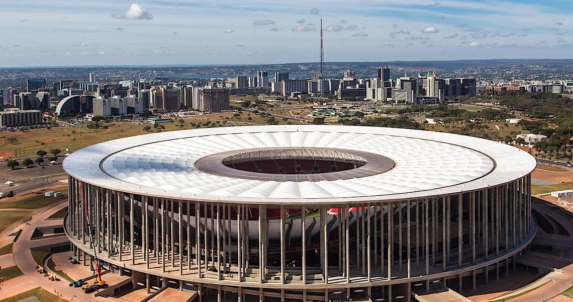 Flamengo e Federação de Futebol são condenados a pagar R$ 282 mil por falta de segurança no Mané Garrincha