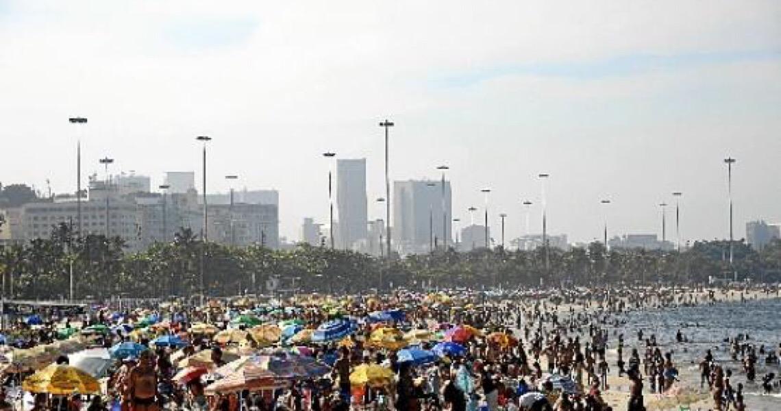 Brasil bate Itália em mortes por milhão de habitantes