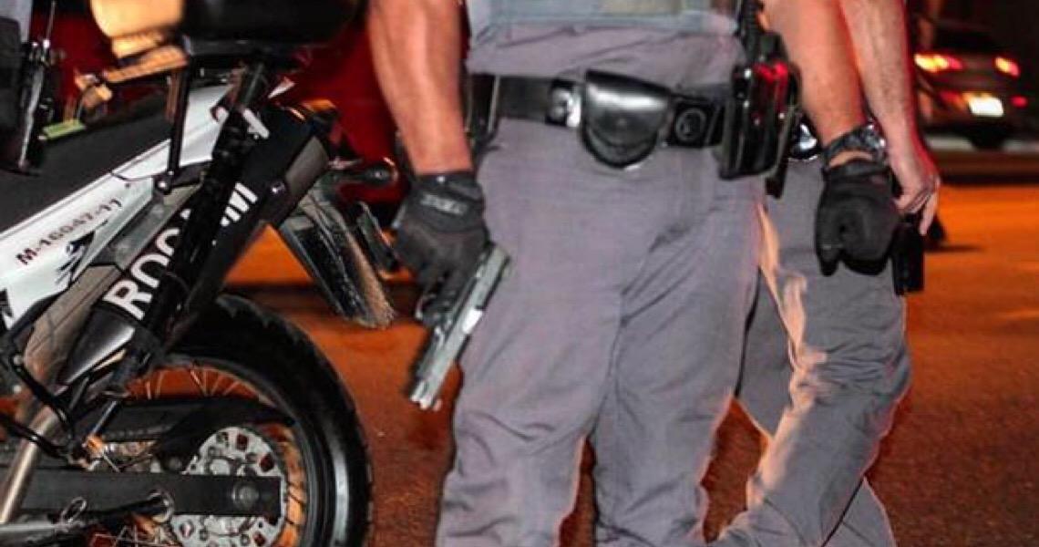 Policiais militares acusados de agredir mulheres não são punidos e permanecem na corporação