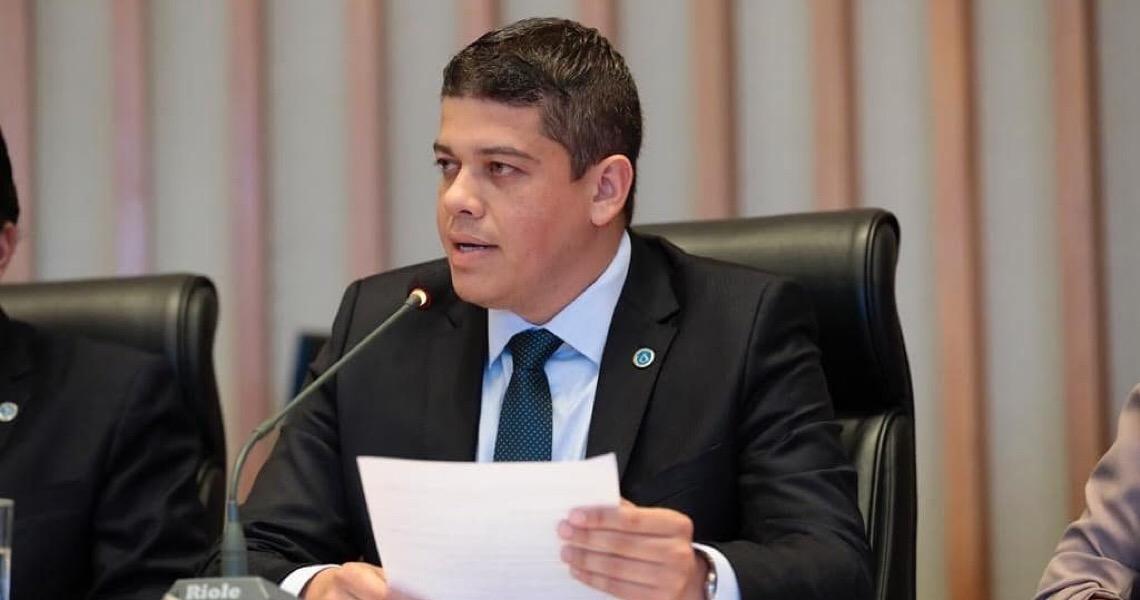Após Donizet retirar assinatura, líderes da CLDF discutem pedidos de 2 CPIs sobre fraudes na saúde