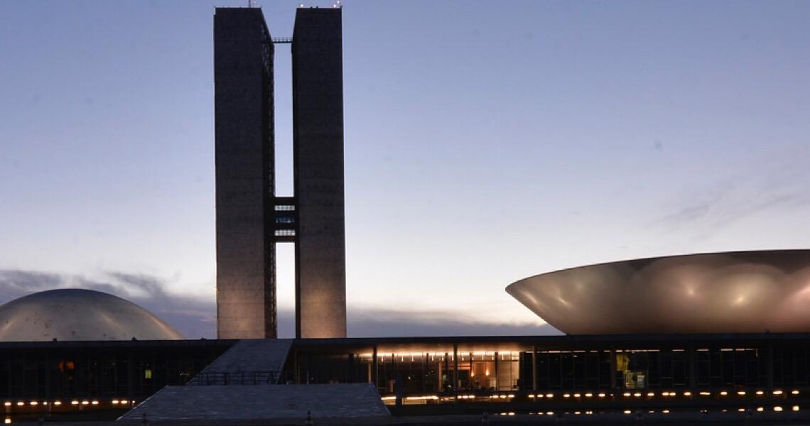 Congresso articula fim da reeleição, inclusive para Bolsonaro
