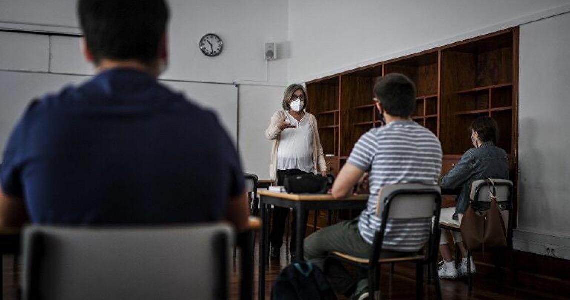 Com aumento de casos e mudança no perfil dos infectados, Portugal entra em situação de contingência