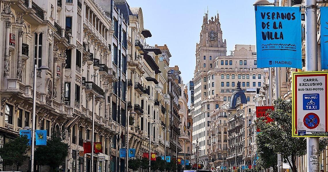 Madri adotará isolamentos específicos contra covid-19 na sexta-feira