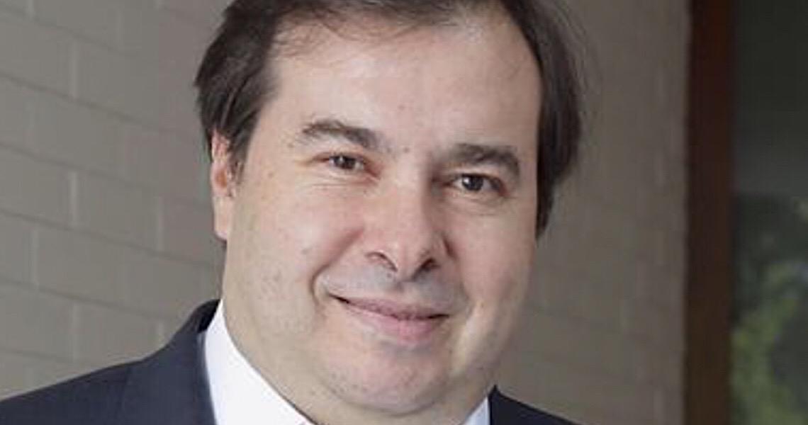 Ex-chanceleres lançam nota apoiando Rodrigo Maia nas críticas à visita do secretário de Estado dos EUA