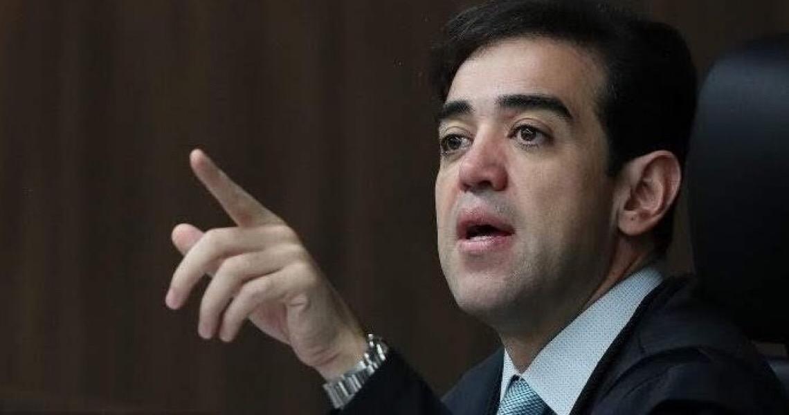 Dinheiro de precatórios no Renda Cidadã 'parece truque', diz Bruno Dantas