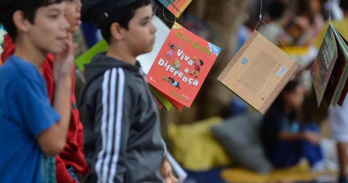 Livros ganham versão em diferentes formatos de leitura inclusiva