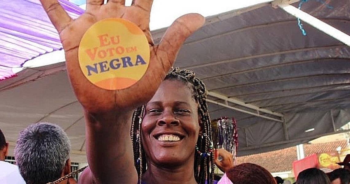 A cada 15 candidaturas à prefeitura das capitais brasileiras, apenas 1 é mulher negra
