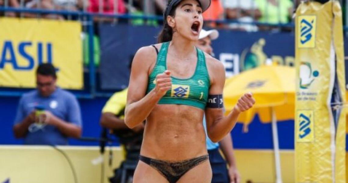 Carol enfrenta ira da CBV e resistência dos atletas do vôlei de praia