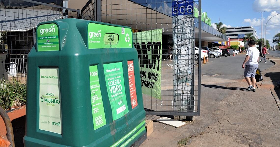 Vidros podem ser reutilizados. Colabore, Brasília cresce em sustentabilidade