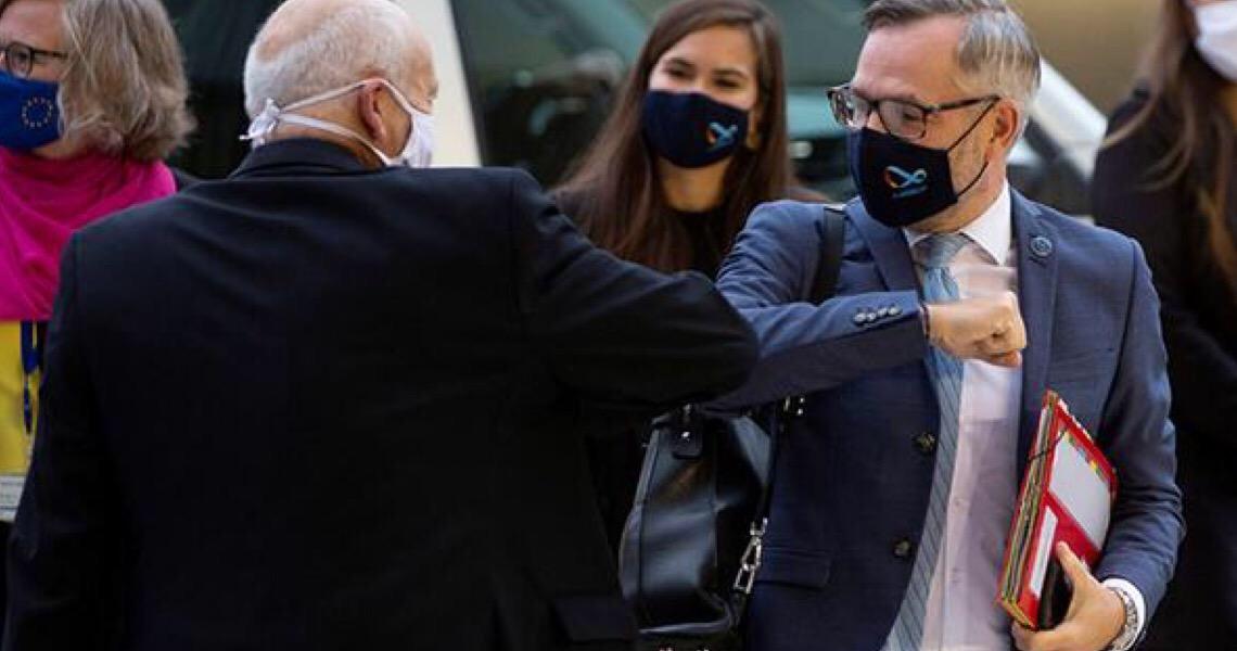 União Europeia estabelece regras para viagens durante a pandemia