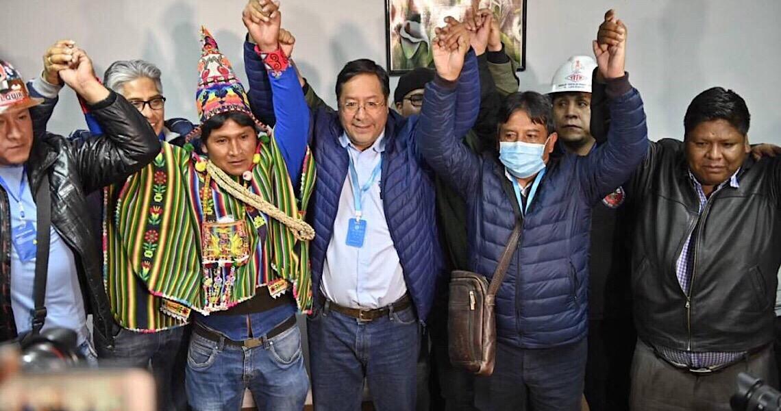 """""""Recuperamos a democracia"""", diz Luis Arce após boca de urna apontar vitória na Bolívia"""
