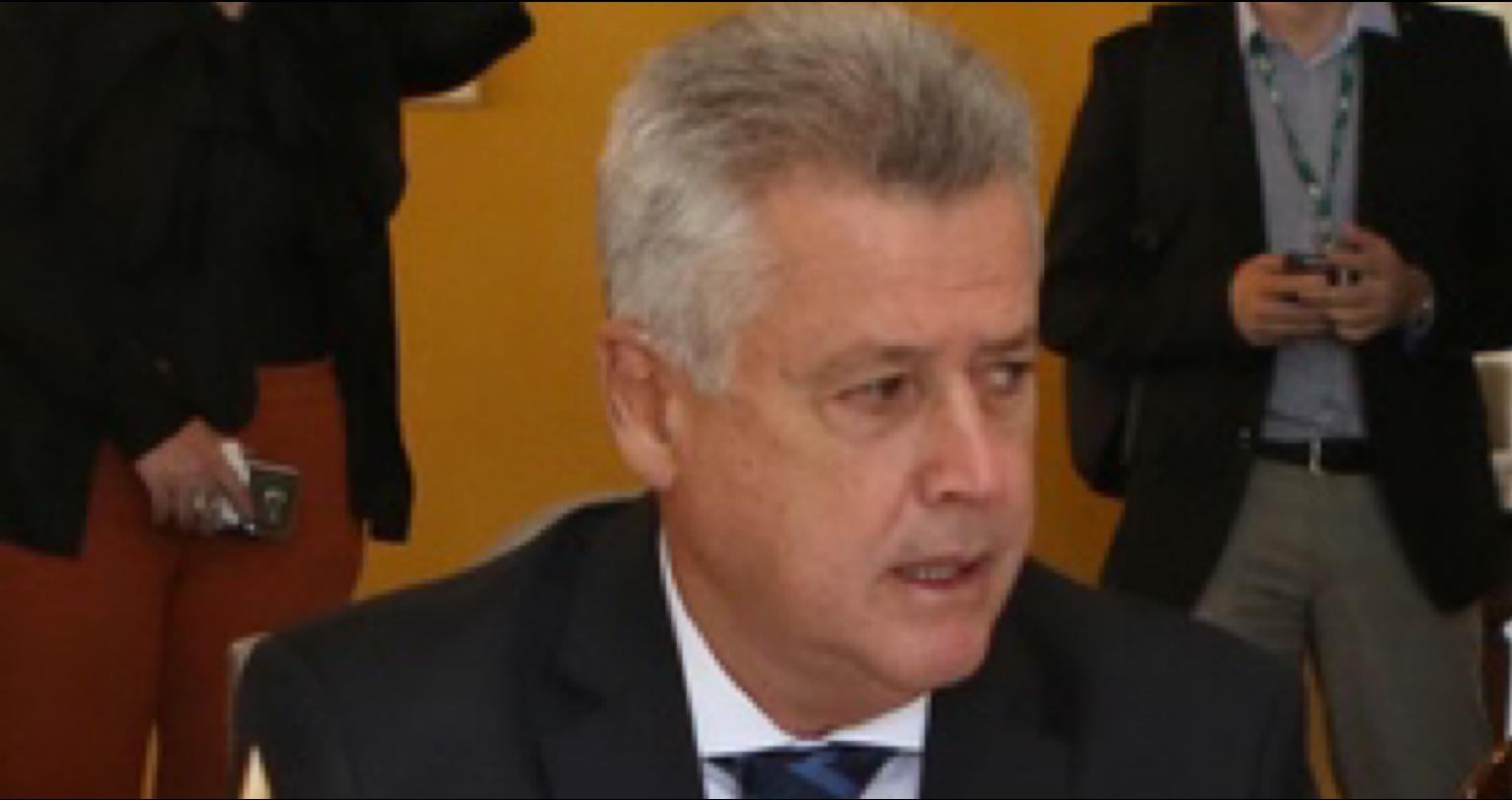 Privatização da CEB: Na campanha, Ibaneis afirmou que não privatizaria nenhuma estatal. Mentiu. Enganou