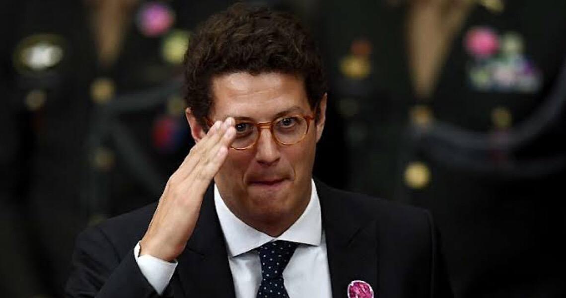 Ricardo Salles ataca o ministro Ramos e desafia militares