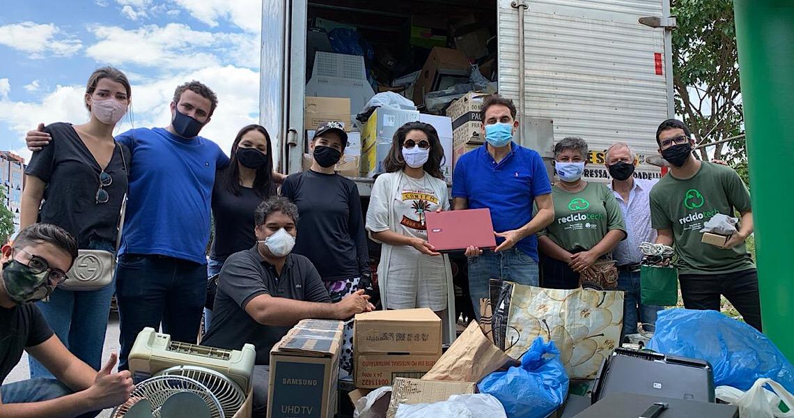 Em um dia Reciclotech drive-thru arrecada 7,5 toneladas de lixo eletrônico