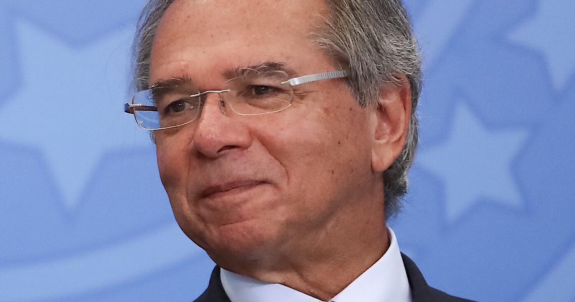 Guedes tenta privatizar Saúde após não conseguir entregar em áreas prometidas