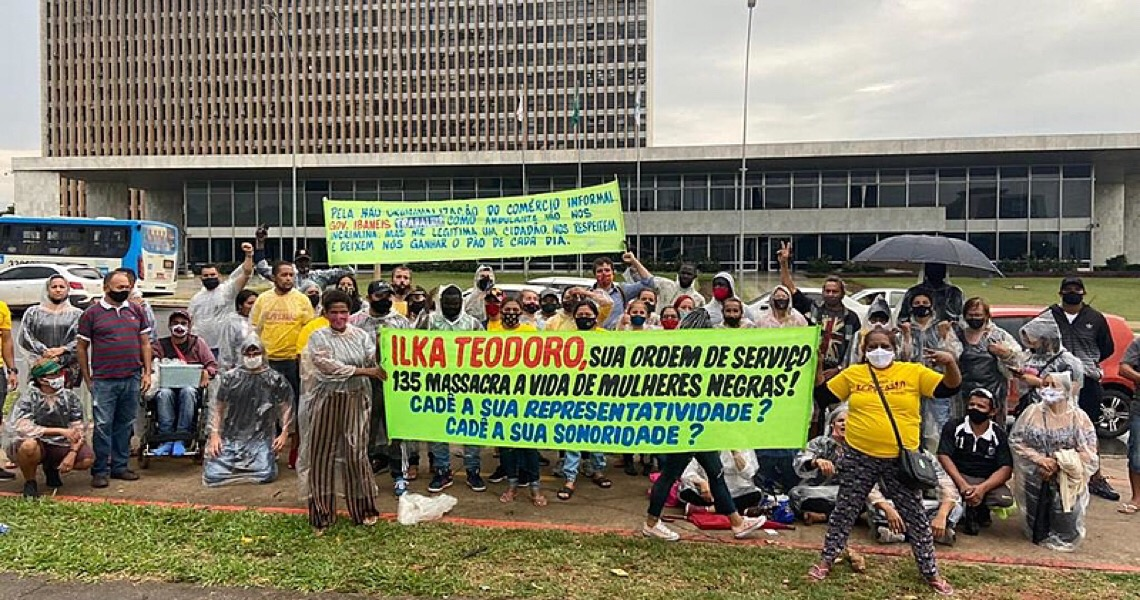 Governo do DF expulsa ambulantes violentamente para dar cara de shopping a rodoviária
