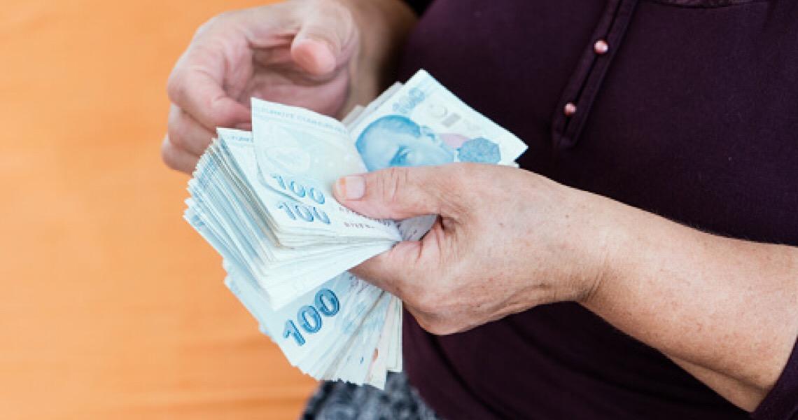 13º salário é alvo de dúvidas dos brasileiros